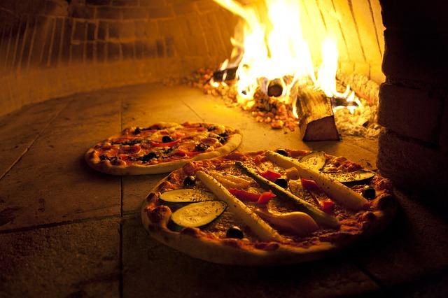 Mangiare pizza a Messina senza uscire di casa
